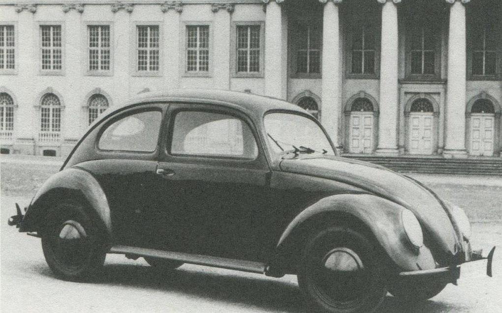 1938 da VW blev præsenteret for folket - bemærk den 2-delte bagrude