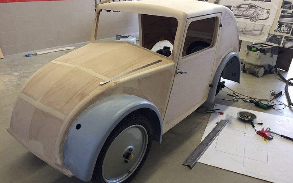 Restaurering og genopbygning af en Ganz model