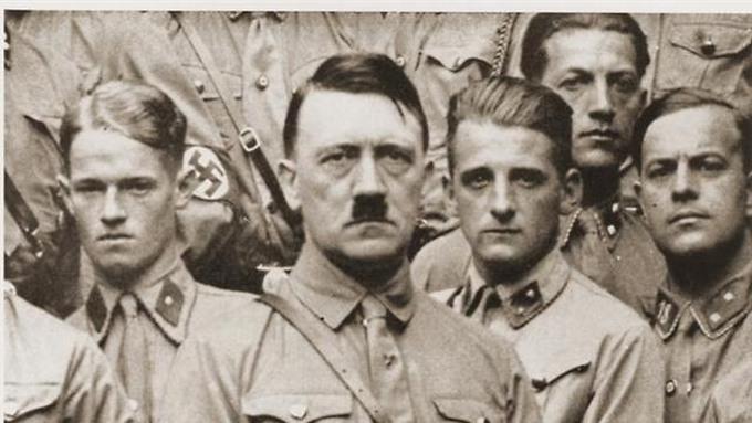 Drenge og unge mænd vakte ingen smil hos Hitler